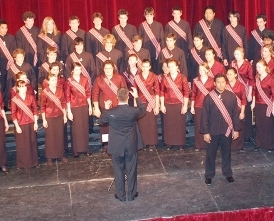 Chris conducts the NZSSC in Teatro Roma, Buenos Aires